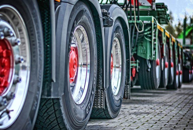 Descubre TiresApp para agronegocios y supervisa toda la información sobre tus neumáticos.